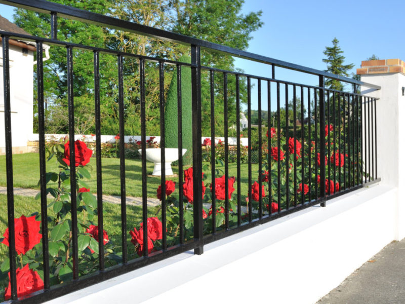 metal fencing installation